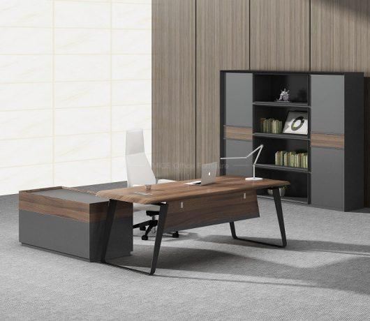 Mesa de escritório em forma de L