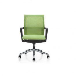 Кресло с сетчатым сиденьем