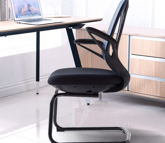 Zwarte mesh bureaustoel